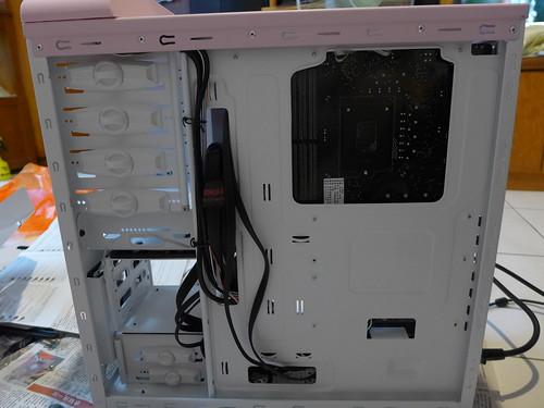 PC 組裝背板走線