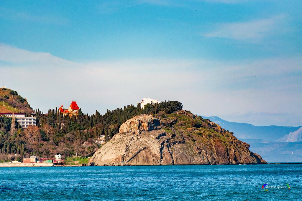 Partenit. Crimean beach. Triptych.