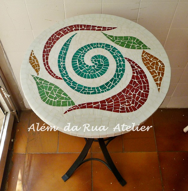 Mesa bistrô de mosaico