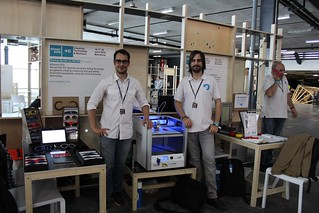 A la derecha, stand de The Open Shoes en Sónar +D.