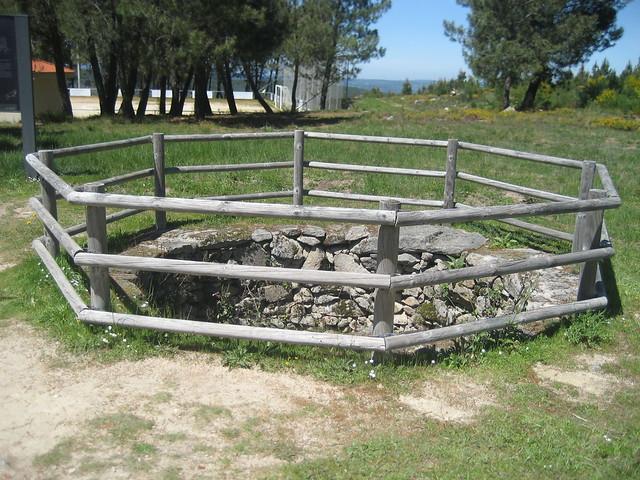 Foxo do Lobo en el PR-G 98 Cañón do Sil - Santa Cristina