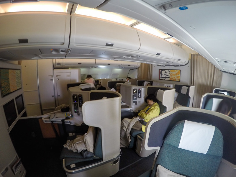 28100129475 a68ee0cf23 c - REVIEW - Cathay Pacific : Business Class - Hong Kong to Jakarta (A330 Longhaul config)