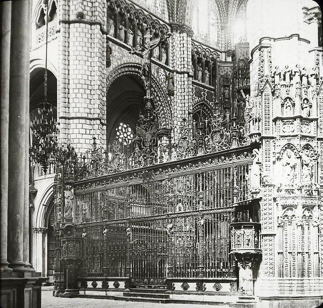 Catedral hacia 1905 fotografiado por Alois Beer. Fotografía editada y publicada por E. Mazo para linterna mágica MTFFD026488_P