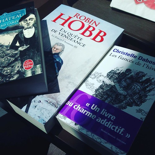 Craquages inattendus, mais bon, je suis passée devant une librairie aussi... #bookstagram #christelledabos #edwardcarey #robinhobb