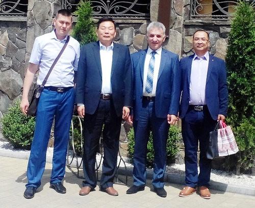 Карапетян показав китайським інвесторам старий завод
