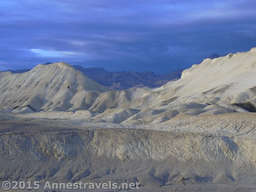 An eerie sky over 20 Mule Team in Death Valley National Park, California