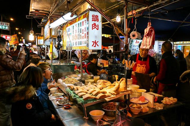 Cheap and yummy foods in Ningxia nightmarket, Taipei 台北、寧夏夜市のにぎわい