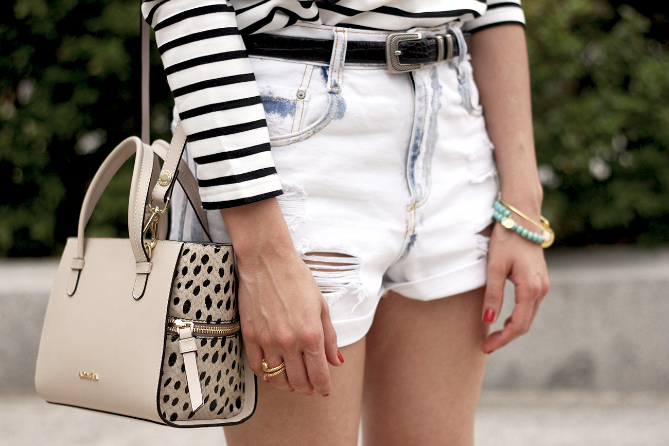 Stripes and denim shorts nude heels acosta bag sunnies belt summer outfit12
