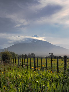 Mount Taranaki (aka Mount Egmont) New Zealand | by Geoff Shera