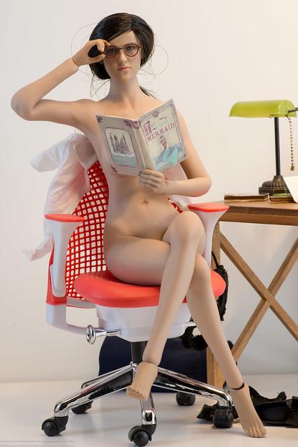 Sexy librarian Nude Photos 23