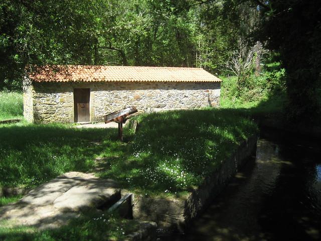 Molino de Zapata de la Senda do río Sisalde en Arteixo