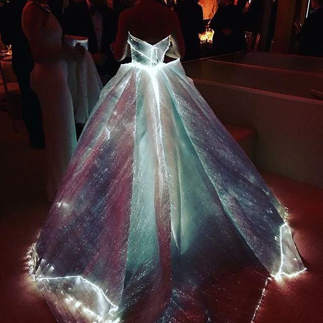 MET GALA 2016 #metgala2016 #metball #metgala #redcarpet #celebs #fashionshow #clairedanes #zacposen #style #dresses #gowns #styleicon #styleblogger #styleblog #styleaddict #fashionlook #fashiondesigner #fashiondiary #fashionaddict #fashionistas #fas