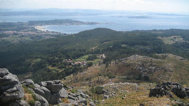 Ría de Arousa desde el Castelo de Vitres en Boiro