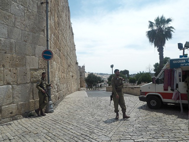 jerusalemsoldiersP5083630
