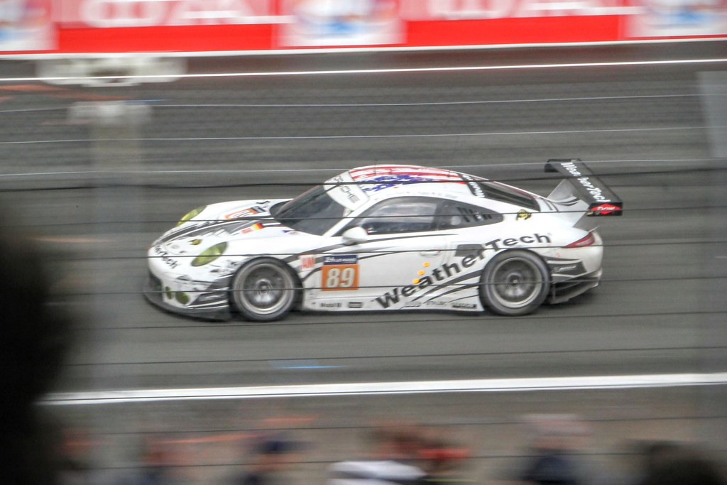 #89 Proton Racing Porsche 911 RSR