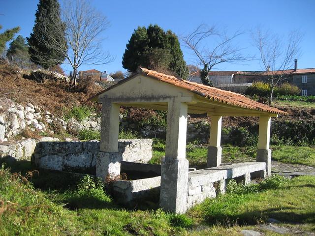 Lavadero en el PR-G 4 Camiño Real San Pedro de Rocas