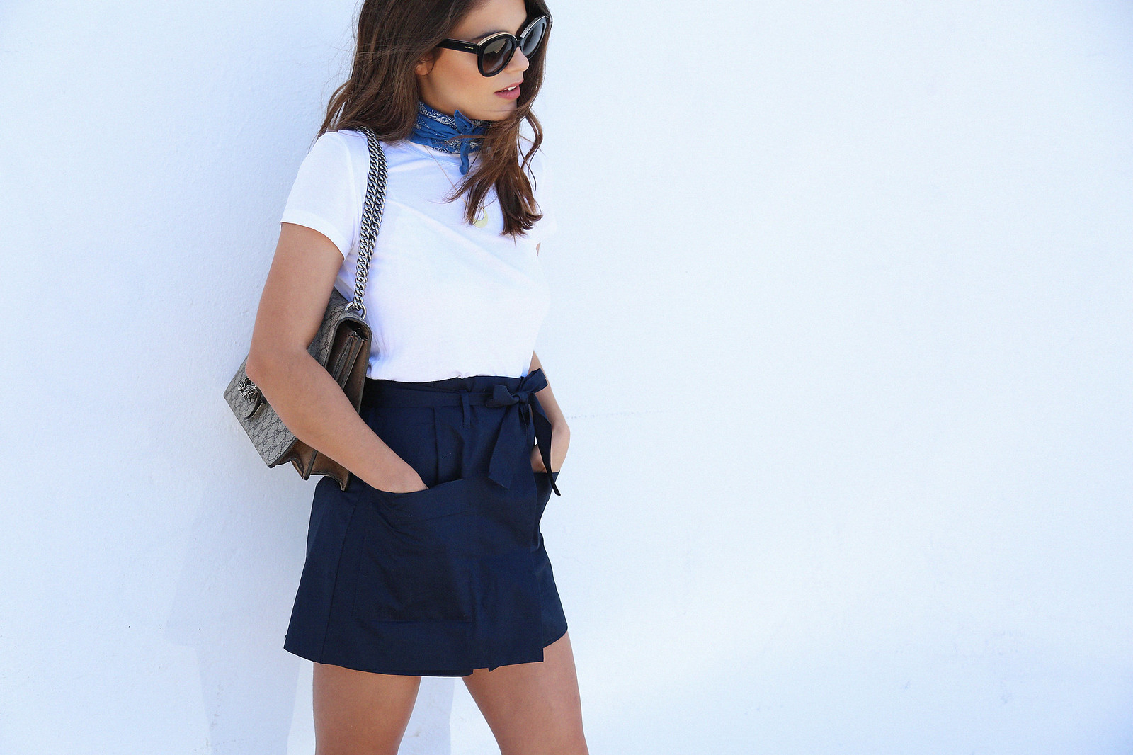 jessie chanes seams for a desire blue skort white tshirt wooden wedges sandals-4