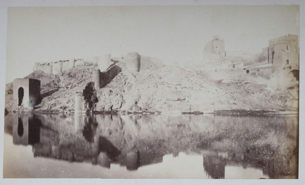 Baño de la Cava en Toledo hacia 1880. Fotografía de Léon Lemuet.