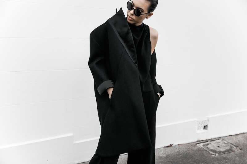 all black ootd outfit street style inspo fashion blogger minimal modern legacy Instagram Balenciaga bag loafer (8 of 11)
