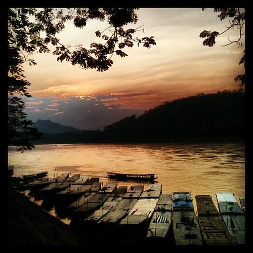 Atardecer en el río Mekong #luangprabang #laos