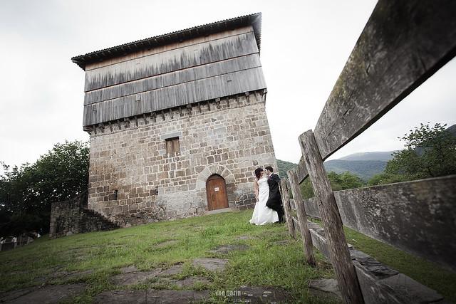 Reportaje de Boda de Leire & Imanol junto a la torre de Donamaría (Navarra)