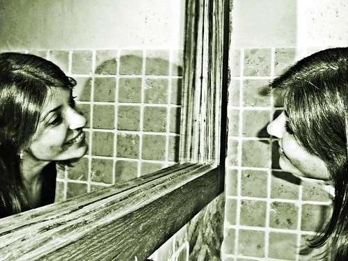 Sonrisa ante el espejo