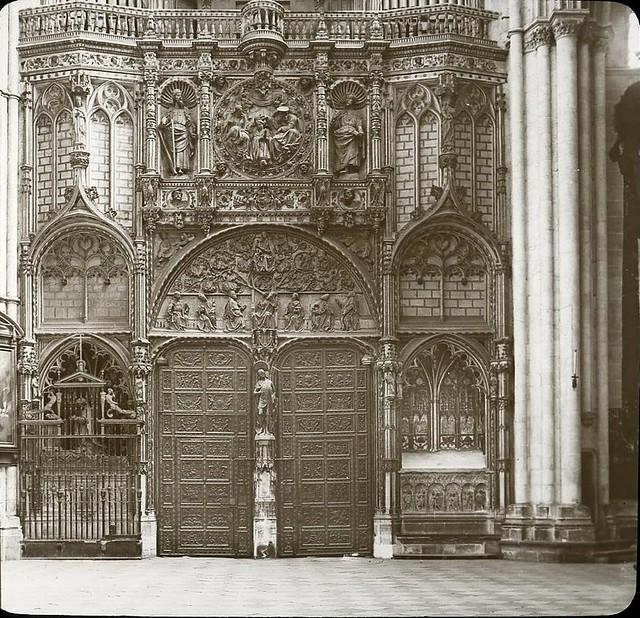 Catedral hacia 1905 fotografiado por Alois Beer. Fotografía editada y publicada por E. Mazo para linterna mágica MTFFD026501_P