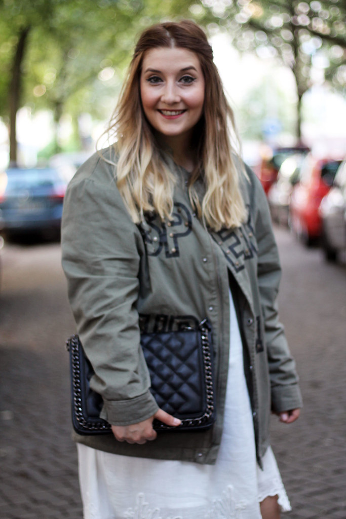 outfit-look-style-modeblog-fashionblog-tasche-jacke-zara-print-spitzenkleid-sommer8
