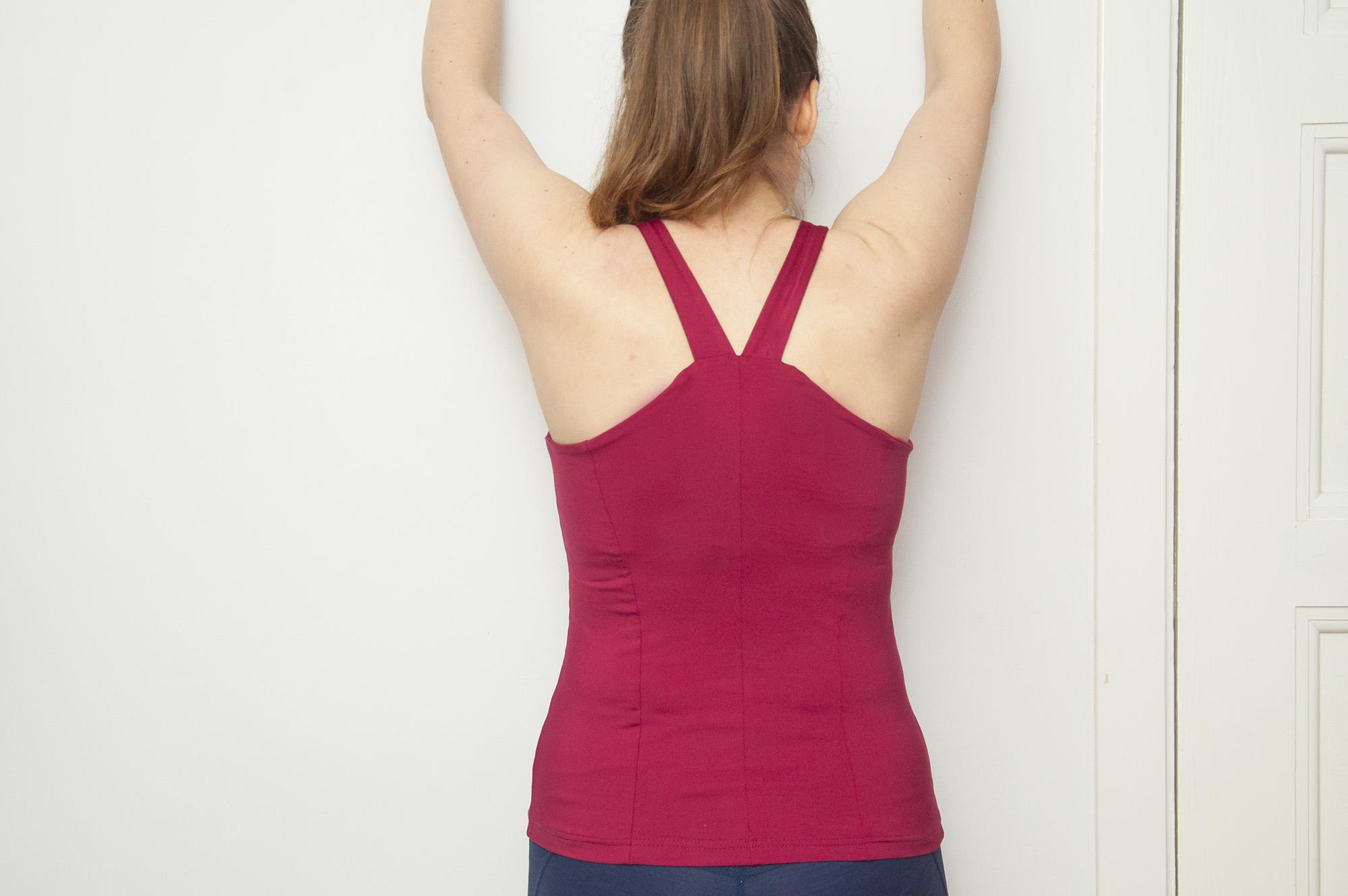 Burdastyle curved neckline workout top