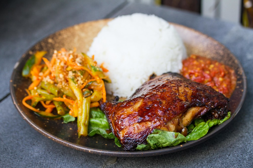 Suntec City Restaurants: OSG Bar+'s Ayam Pang Gang Chicken