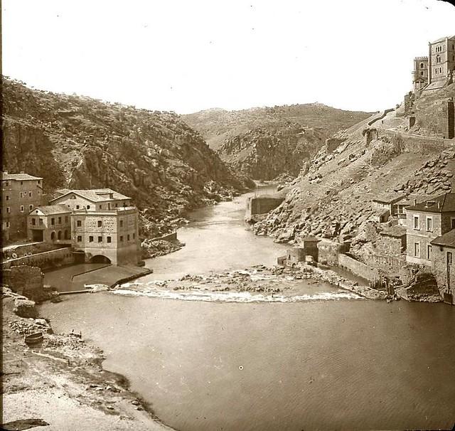 Torno del Tajo hacia 1905 fotografiado por Alois Beer. Fotografía editada y publicada por E. Mazo para linterna mágica MTFFD027811_P