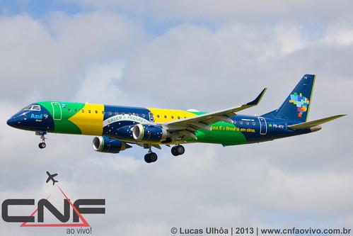Embraer 195 Azul PR-AYV - Azul Brasil