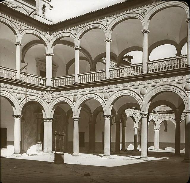 Hospital Tavera hacia 1905 fotografiado por Alois Beer. Fotografía editada y publicada por E. Mazo para linterna mágica MTFFD026497_P