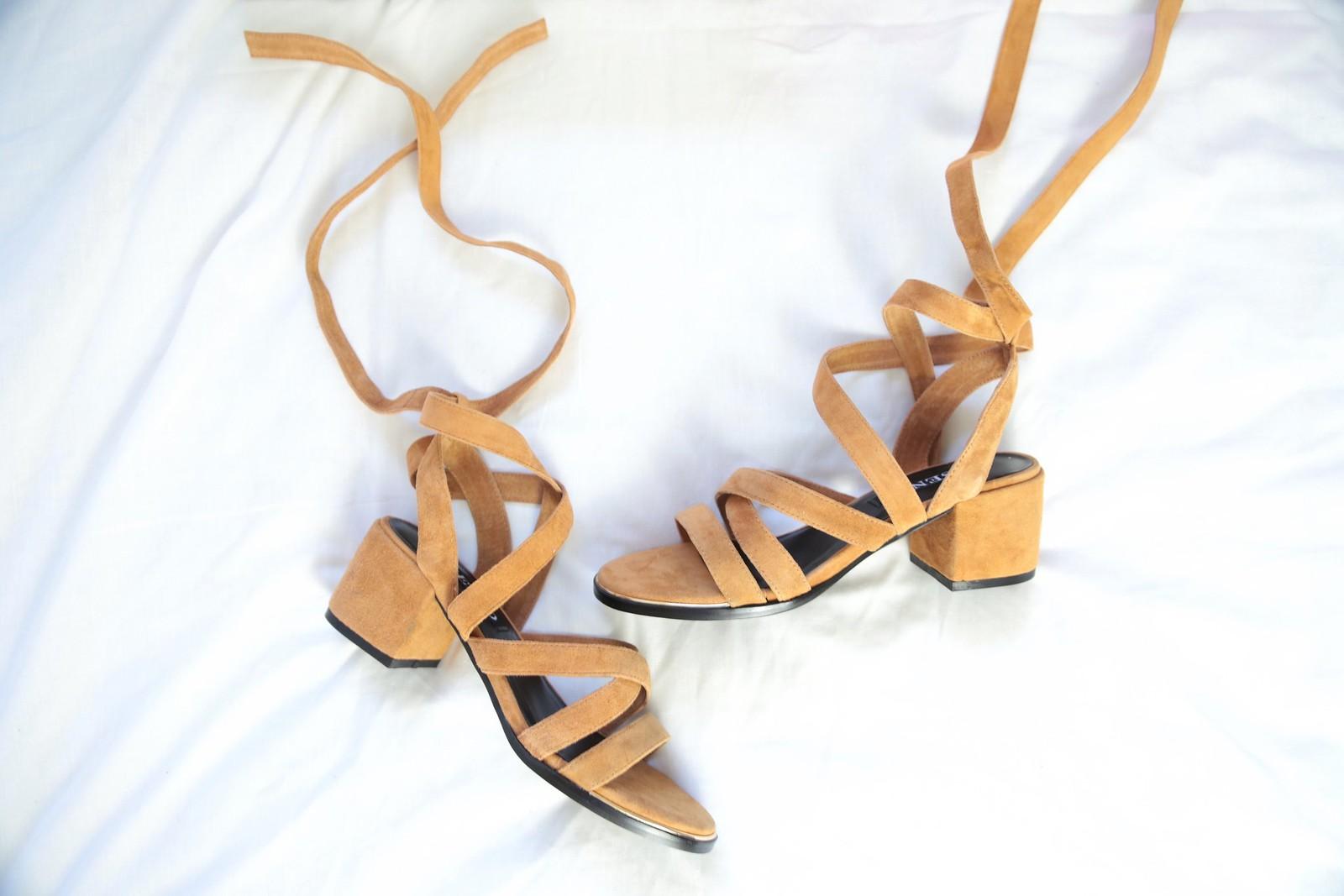 sensomayankletiesandals, sensofootwear, streetstyle, suedesandals,