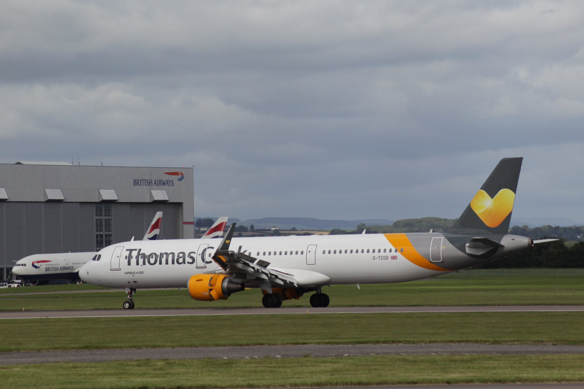 Thomas Cook Airlines Airbus A321 G-TCDD 16SEP16 (1)