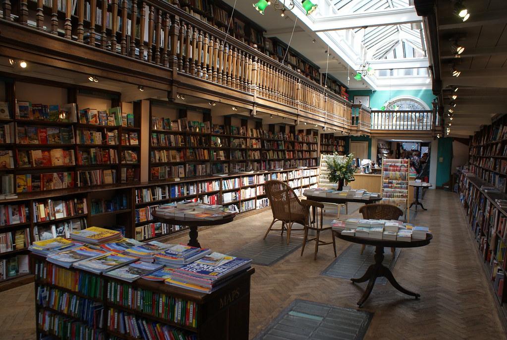 """> Daunt Bookshop, la plus belle des librairies """"voyage"""" de Londres."""