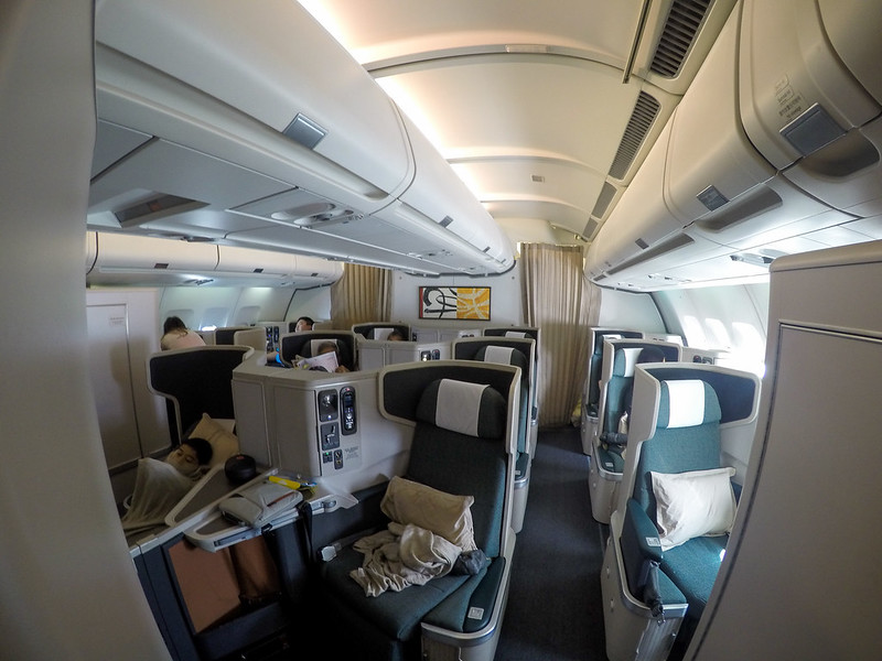 28002222891 e01f293dff c - REVIEW - Cathay Pacific : Business Class - Hong Kong to Jakarta (A330 Longhaul config)