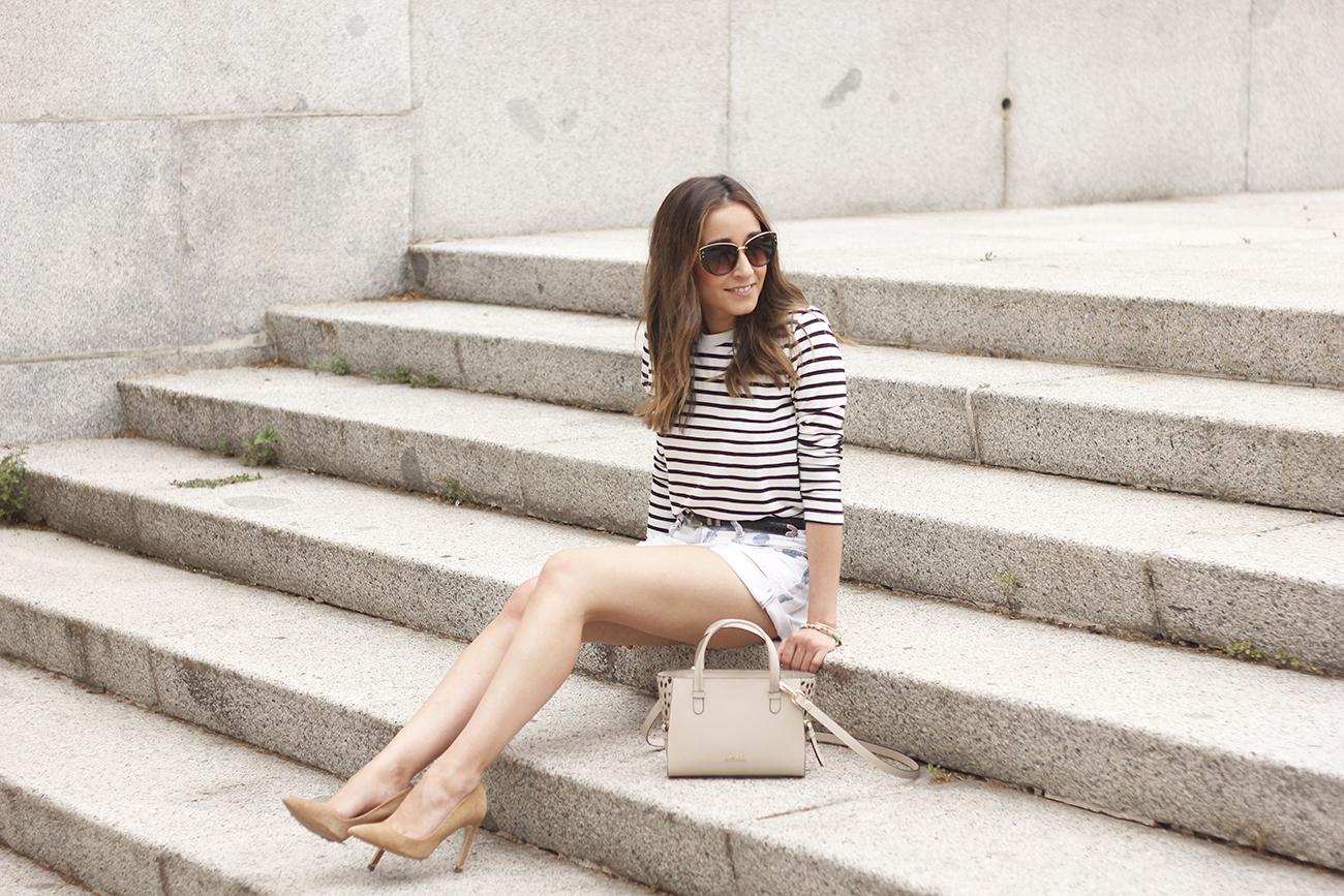 Stripes and denim shorts nude heels acosta bag sunnies belt summer outfit05