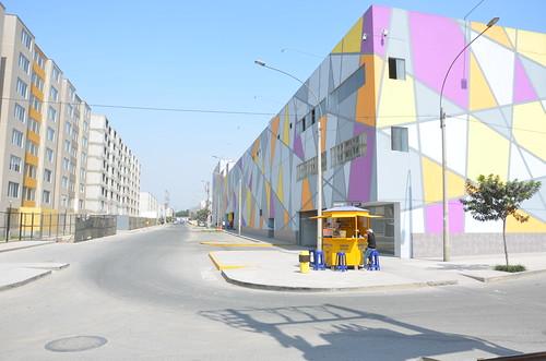 Neubausiedlung in Lima. Alles in Pastellfarben
