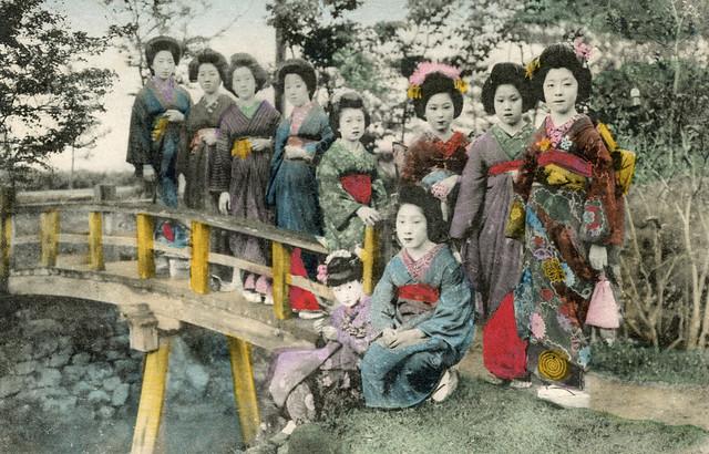 Osaka Geiko and Maiko 1910s