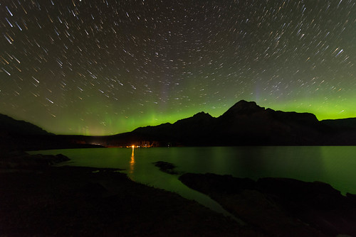 Aurora Trails - Lake Minnewanka