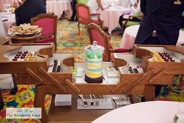 Petit fours cart