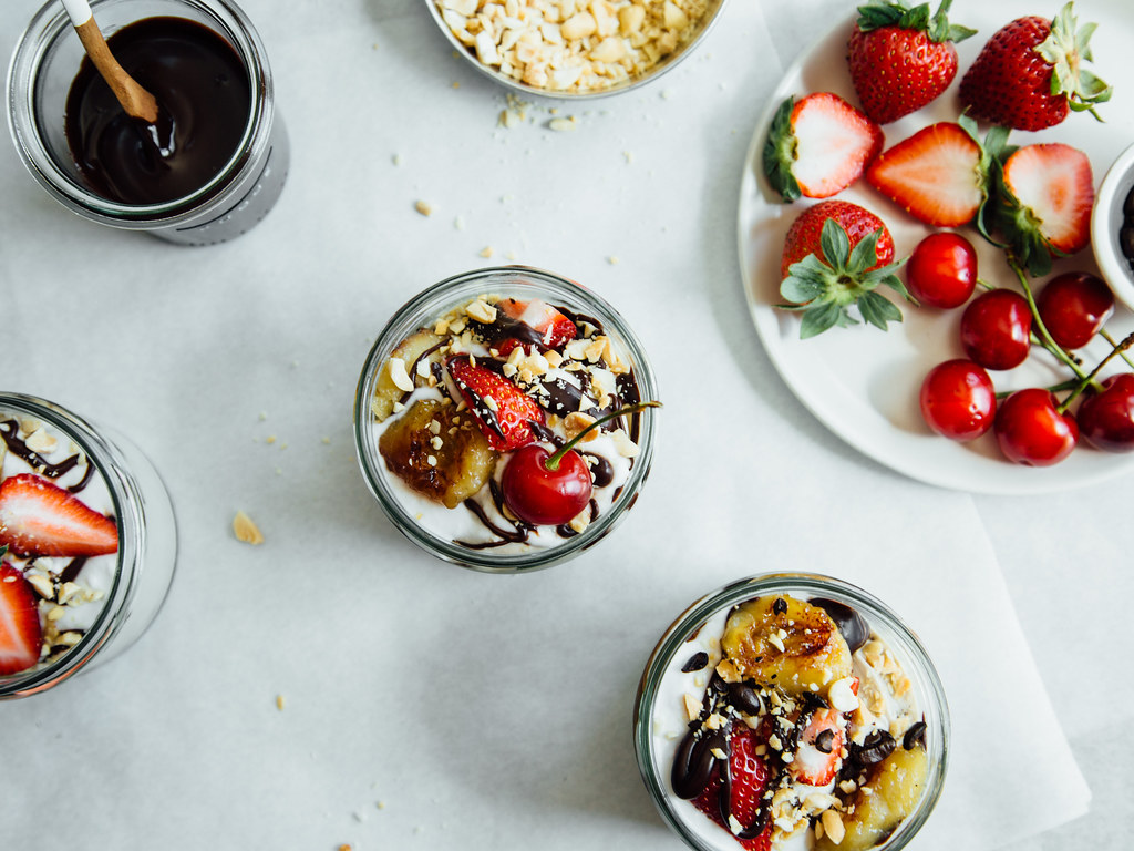 Maple-banana sundaes with black + white ice cream