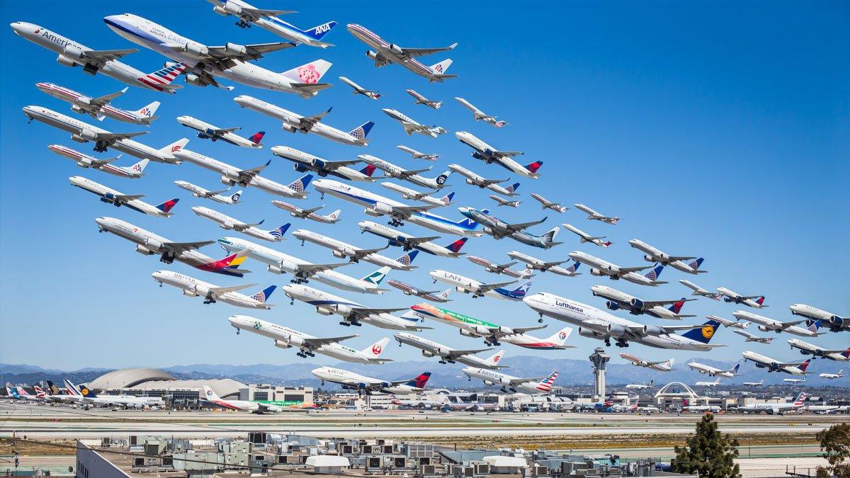 Daug lėktuvų