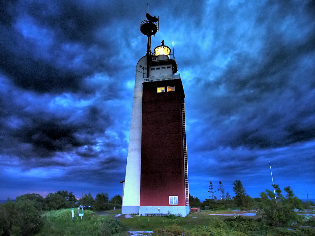 I Moved My Office To a Lighthouse – The Lighthouse Island of Kylmäpihlaja | Live now – dream later travel blog
