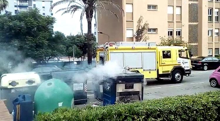 incendio bomberos contenedor1