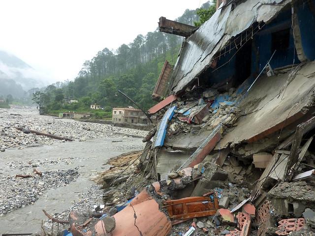 उत्तराखण्ड में बादल के फटने से भारी तबाही