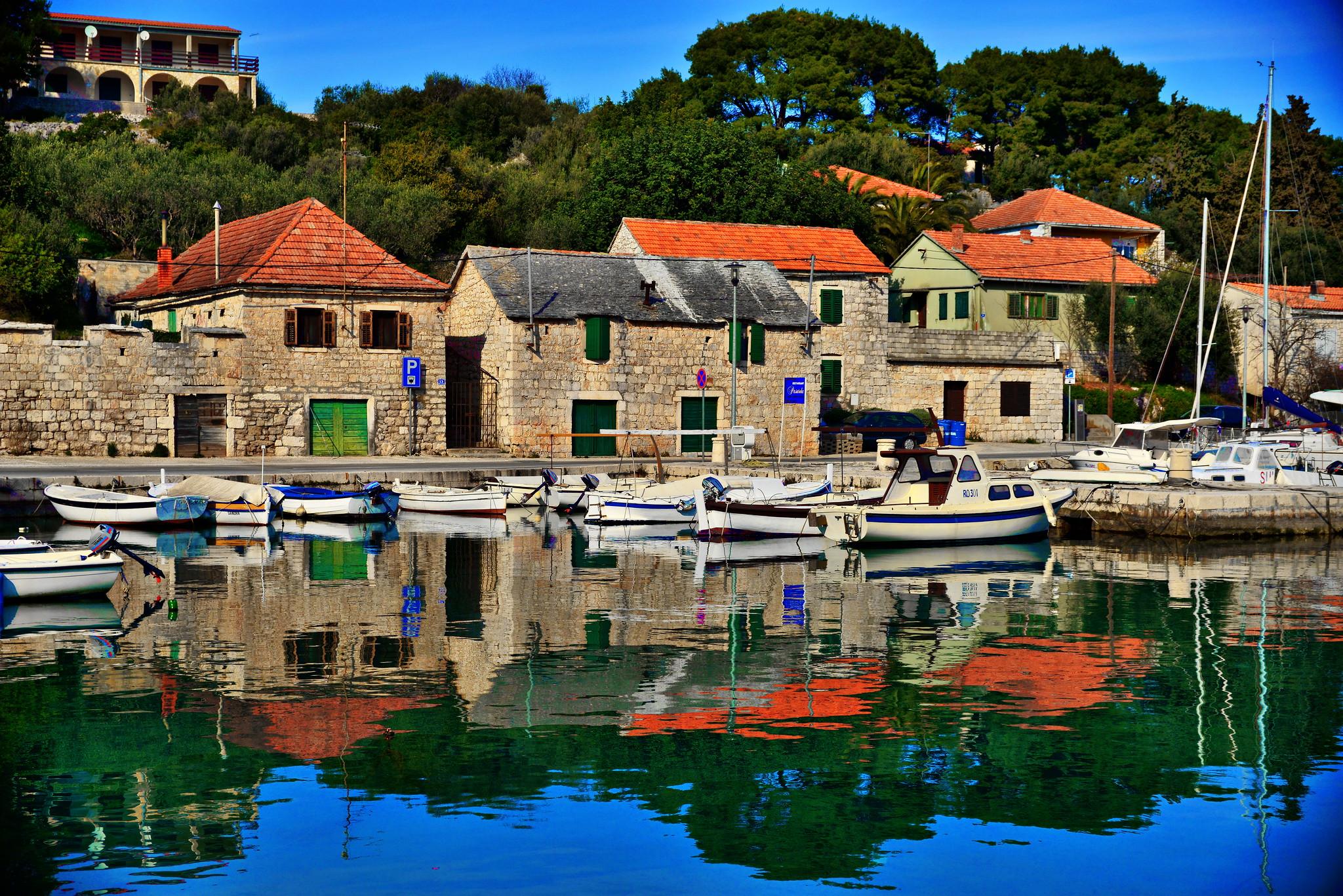 Croatia architecture   16830336081 4217e9388e k