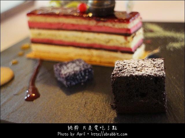16965108656 bf37b96486 z - [台中]蝴蝶橋甜點美食莊園Cuisine--小木屋裡頭的甜點好誘人@北屯區 (已歇業)