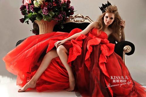 拍照婚紗和宴客禮服怎麼選?讓高雄kiss99婚紗告訴你:拍攝用禮服 (12)